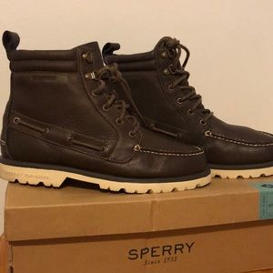 Sperry lug boots